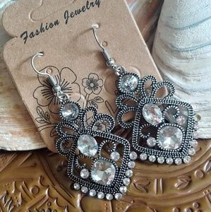 Beautiful Silvertone and Rhinestone Earrings